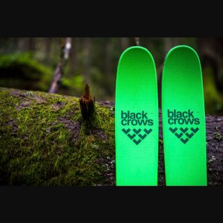 Fattys is proud to announce we will be adding @blackcrows_skis to the list of our top tier brands for the '17/'18 season!! #blackcrows_skis #freestyle #backcountry #chamonix #nocta #navisfreebird