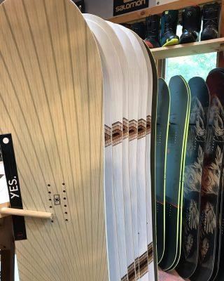 New @yes_snowboards hitting the wall. Check out the #underbite and #midbite on these guys! #PYL #yesbasic #yessnowboards